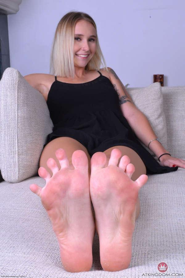 Peyton Coast Feet