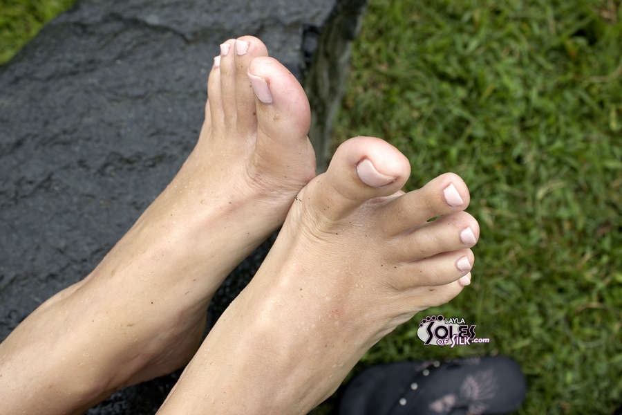 Layla Mercedes Feet