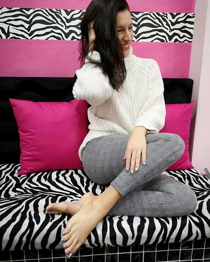 Eva Basi Feet