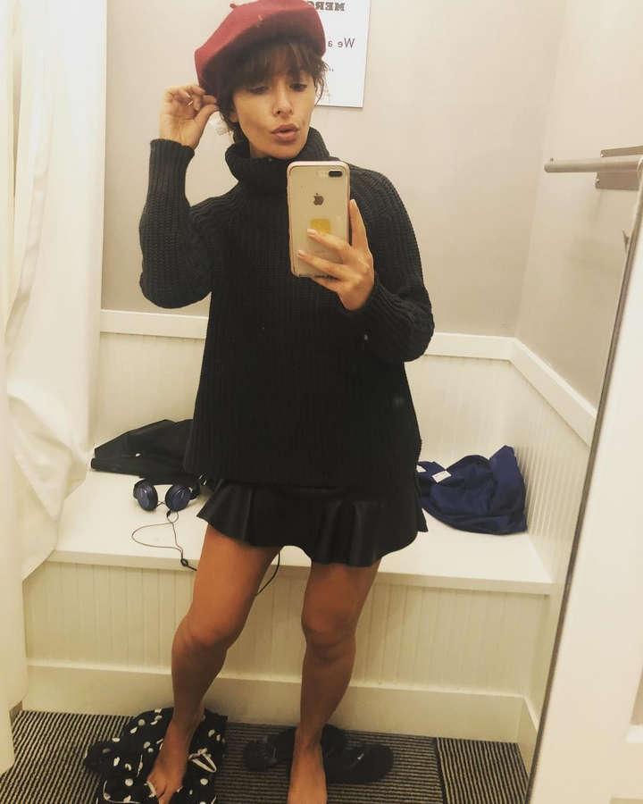 Sarah Shahi Feet