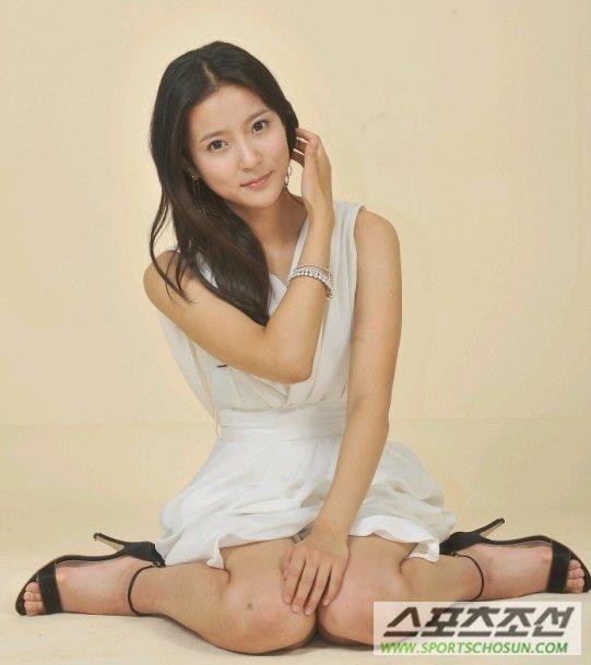 Yi Seul Heo Feet
