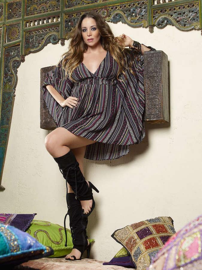 Danielle Winits Feet