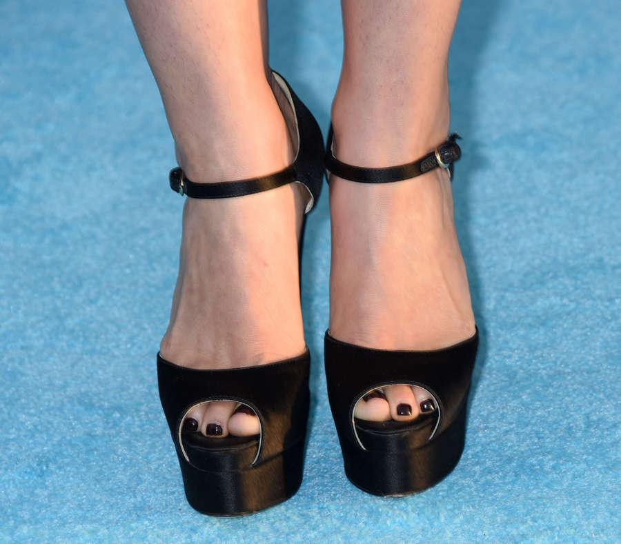 America Ferrera Feet
