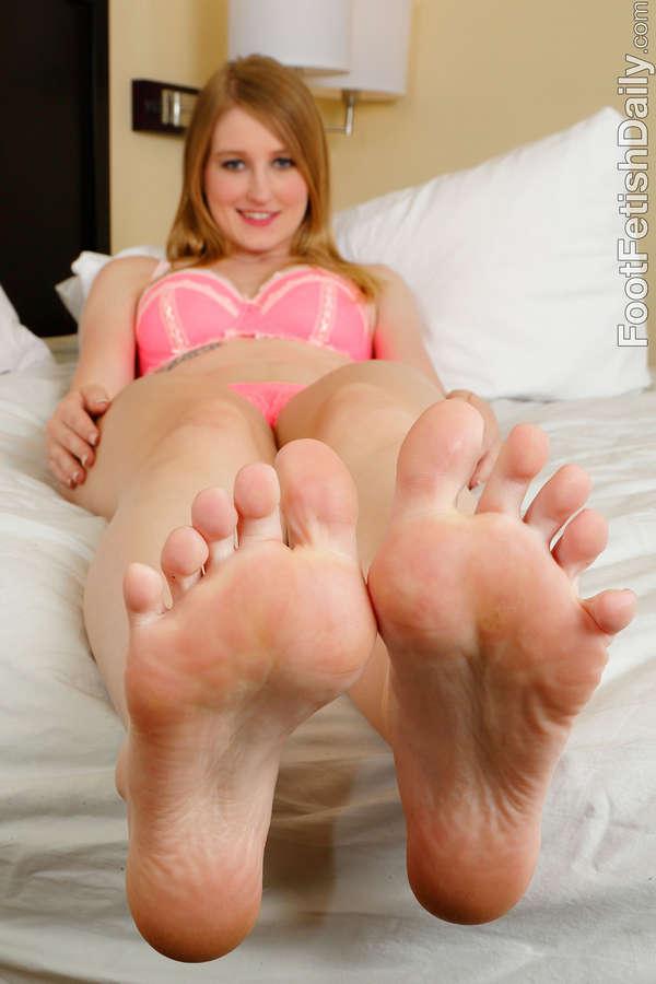 Summer Carter Feet