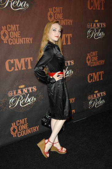 Scarlett Pomers Feet
