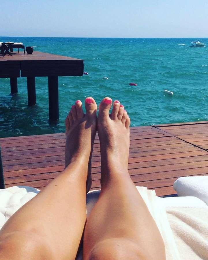 Dominique Monami Feet