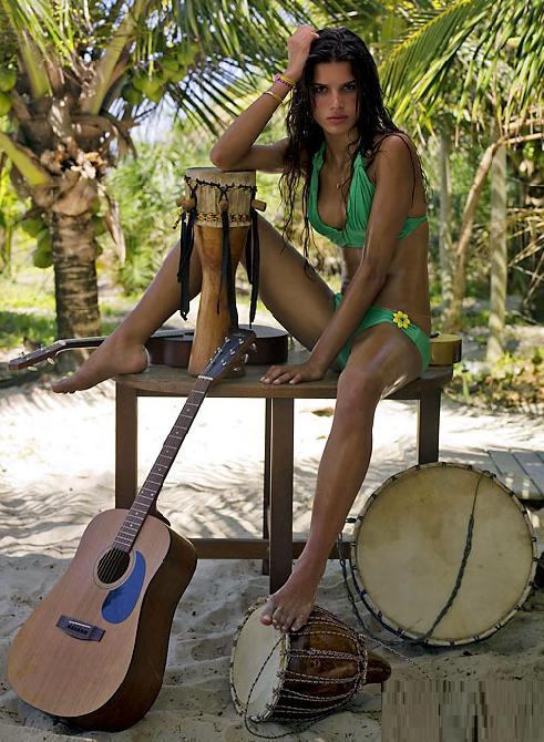 Raica Oliveira Feet