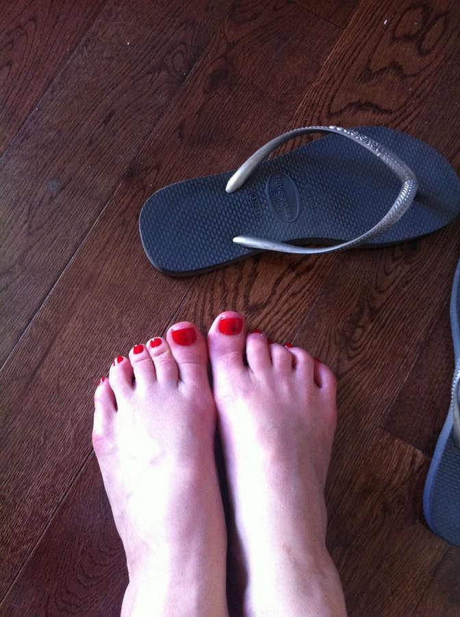 Emma Caulfield Ford Feet