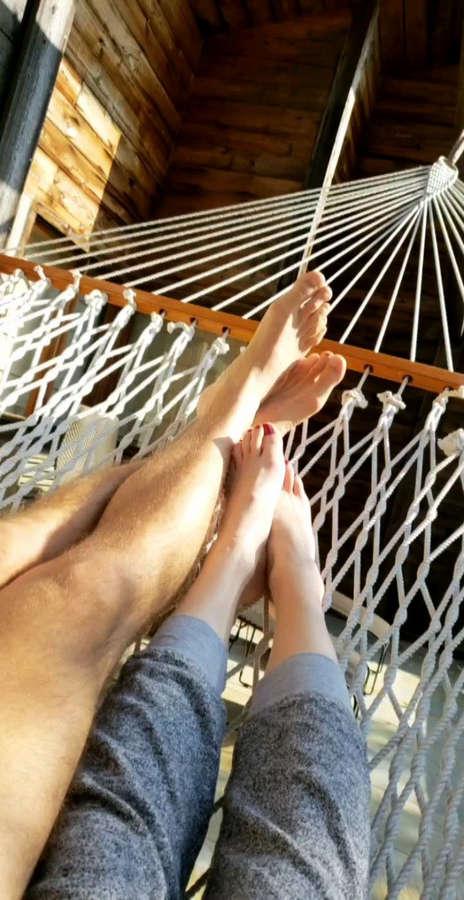 Daniela Magun Feet