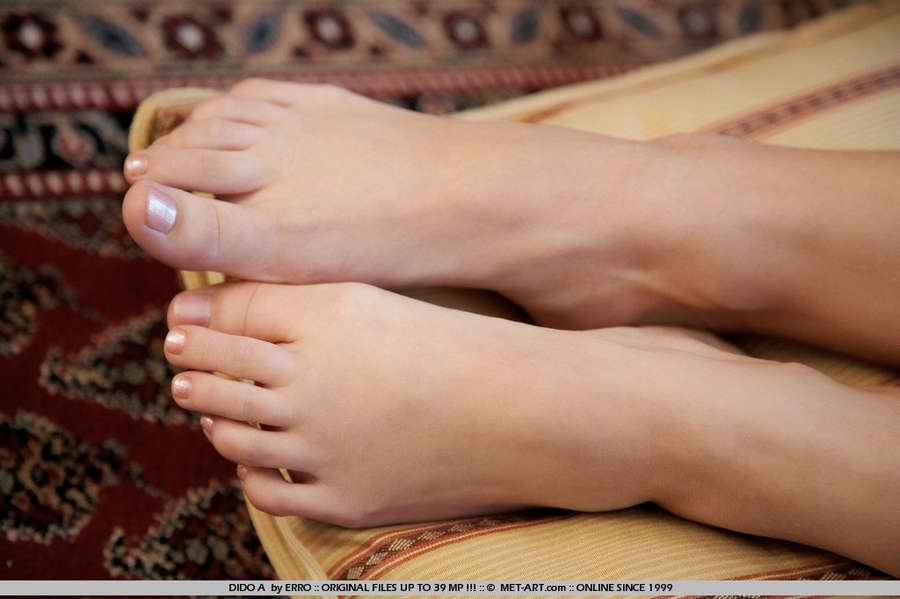 Dido Angel Feet