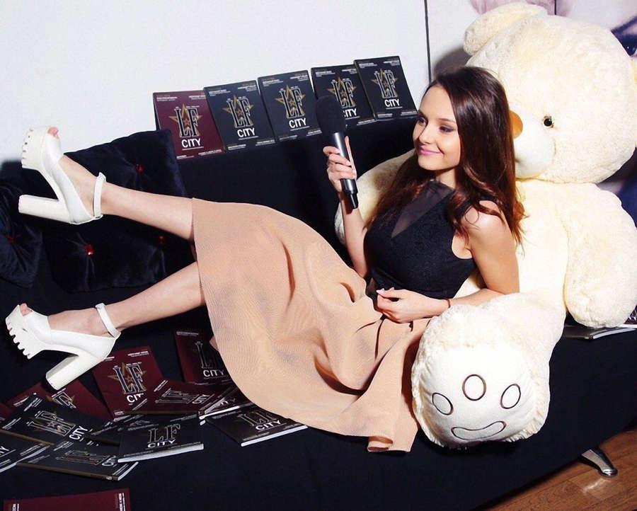 Anna Baydavletova Feet
