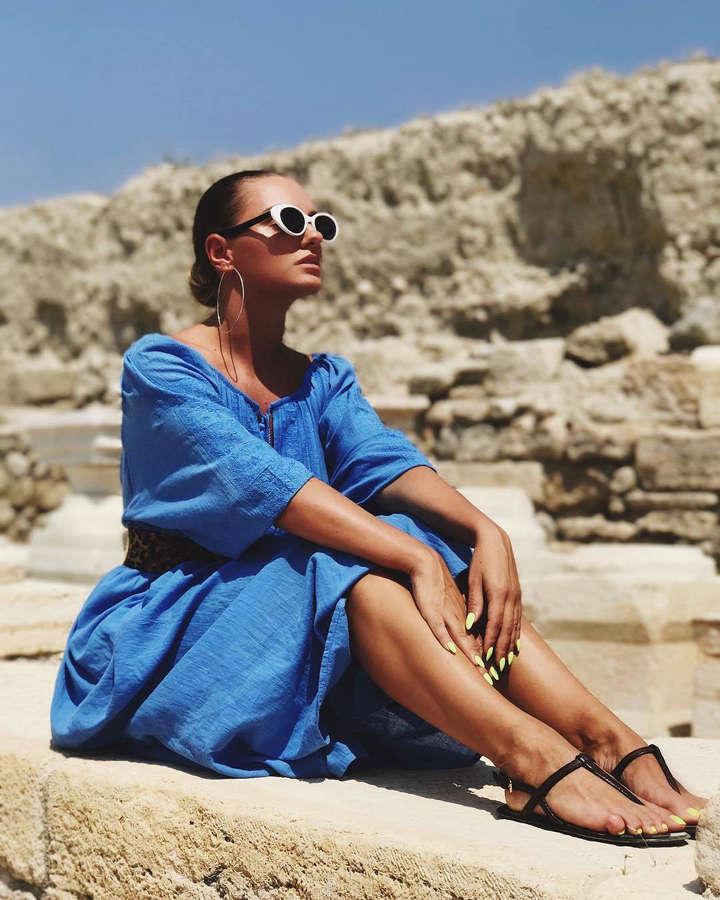 Alexandra Stan Feet