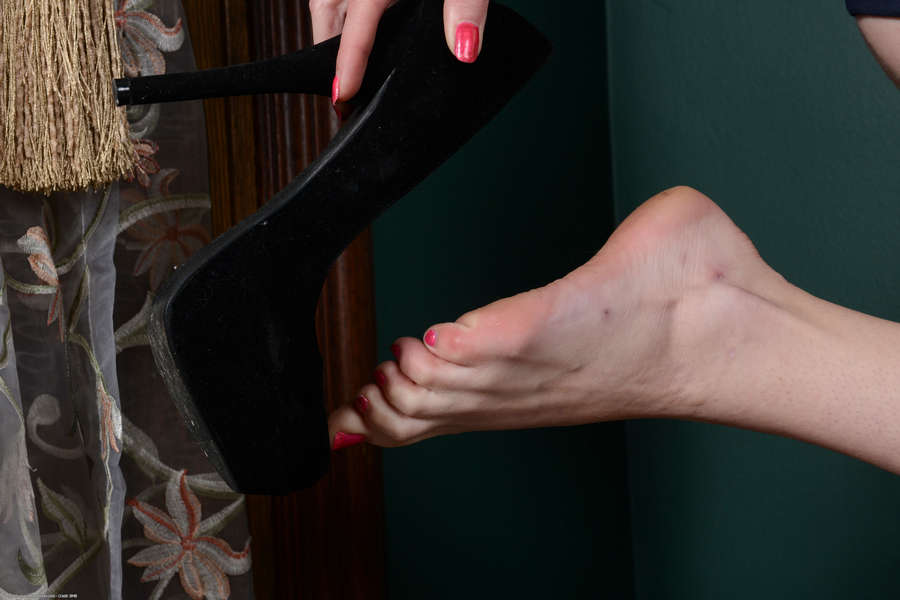 Alice March Feet