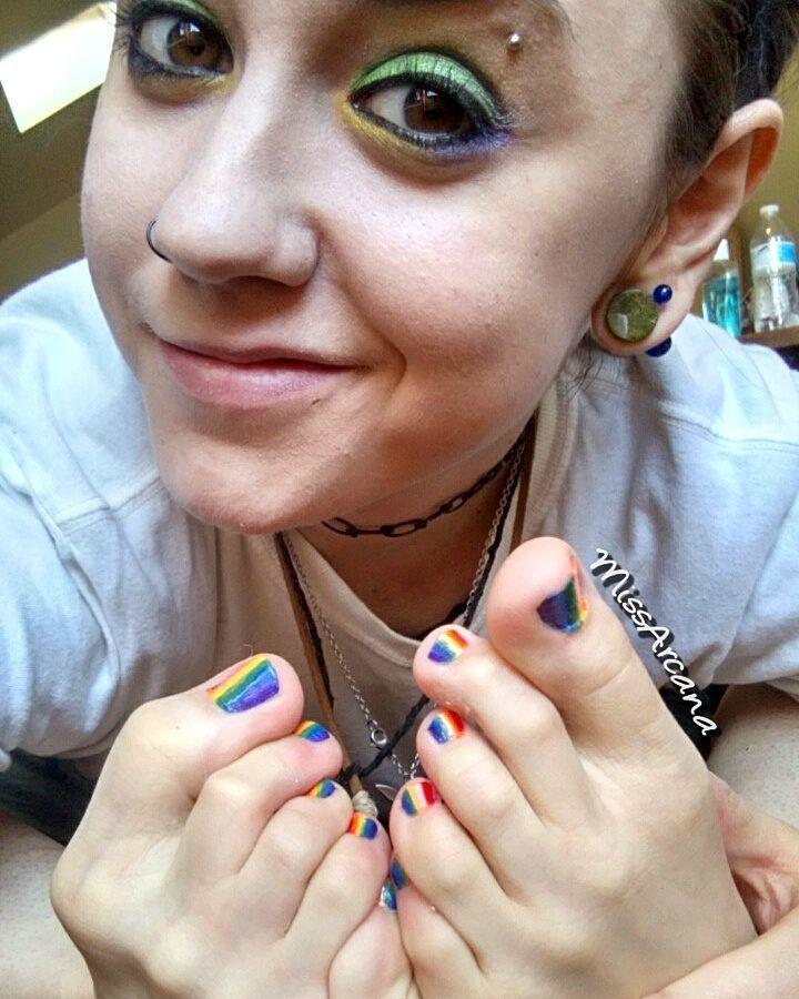 Miss Arcana Feet (17 photos) - celebrity-feet.com