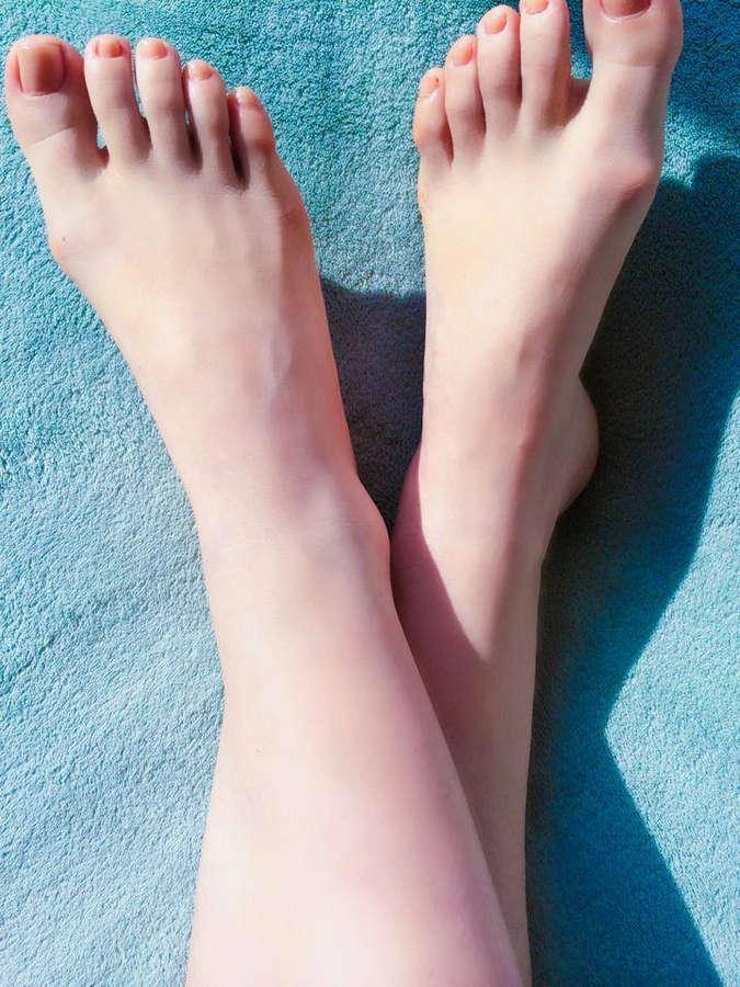 Carolina Kasting Feet