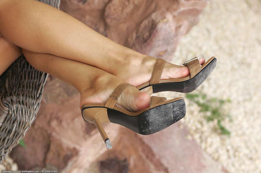 Tiffany Diamond Feet
