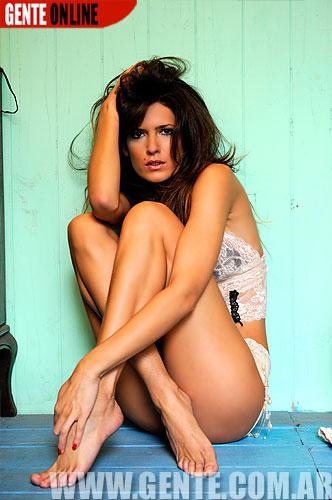 Isabel Macedo Feet