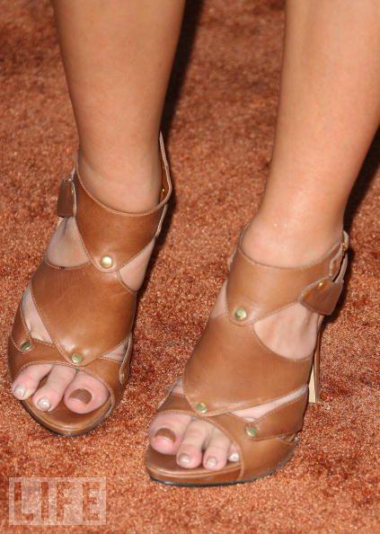 Chelsea Kane Feet