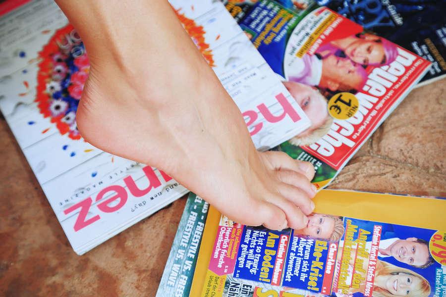 Niemira Feet