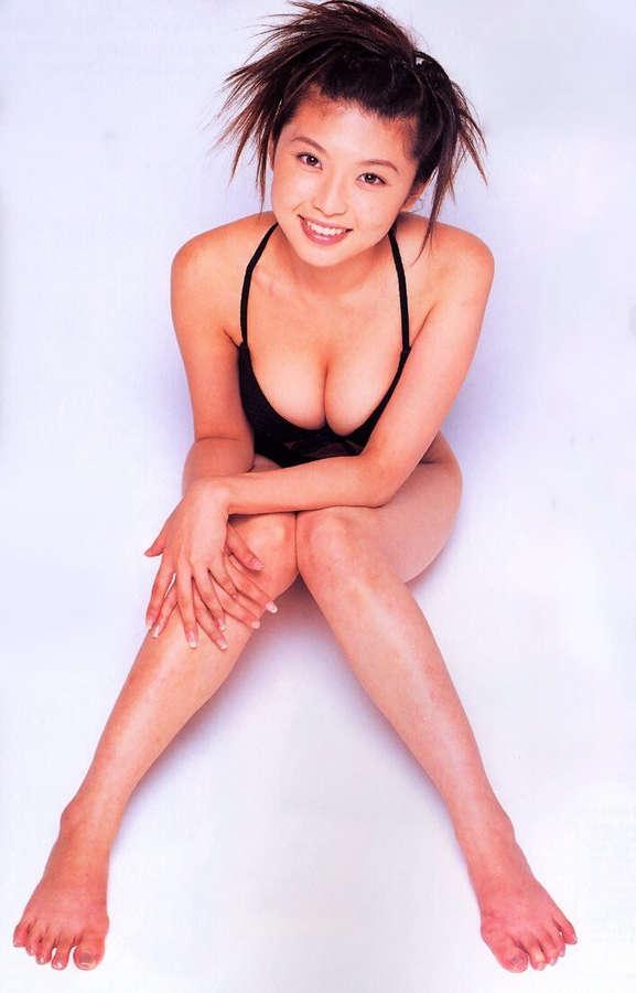 Aki Kawamura Feet