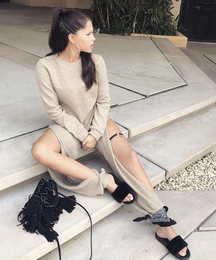 Olivia Pierson Feet