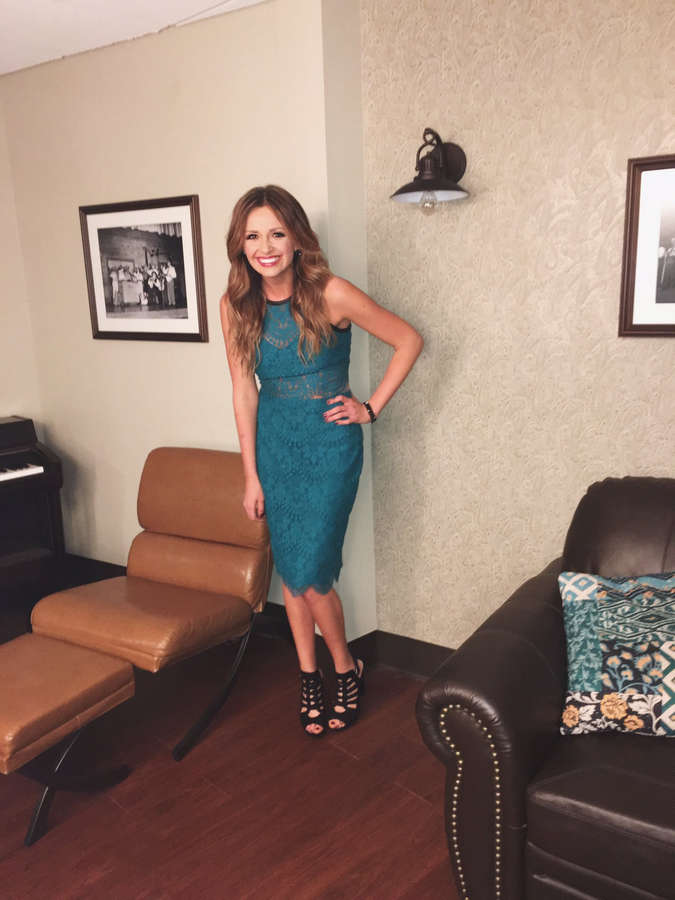 Carly Pearce Feet