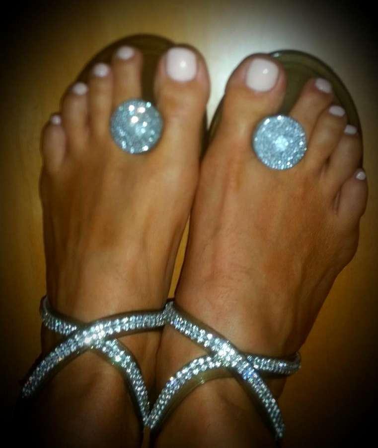 Amor Vittone Feet