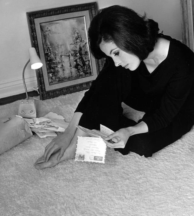 Barbara Parkins Feet