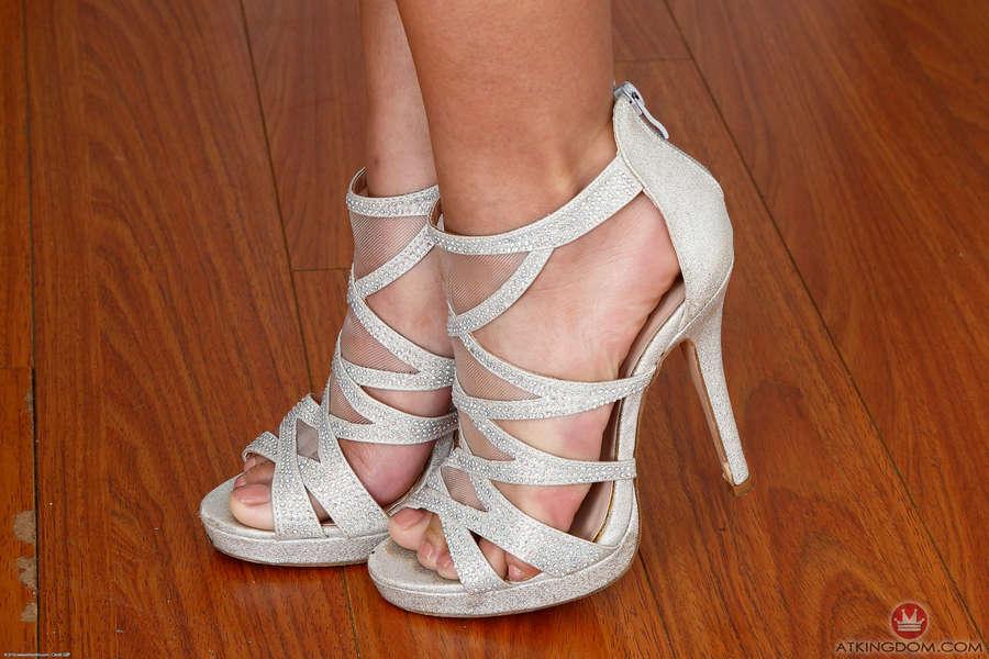 Liv Aguilera Feet