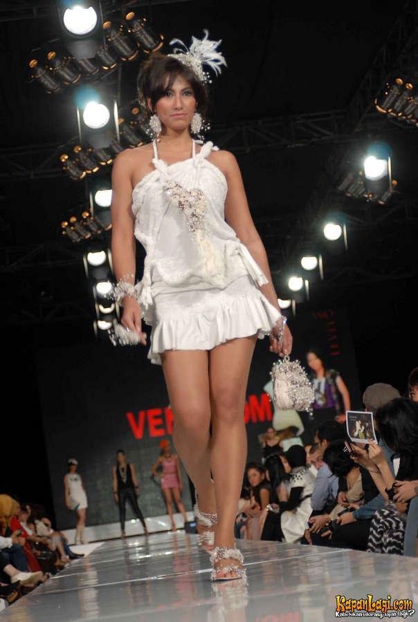 Davina Veronica Feet
