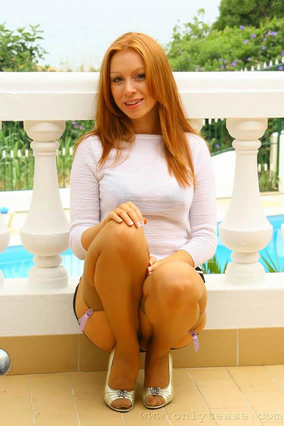 Alexandra Sim Wise Feet