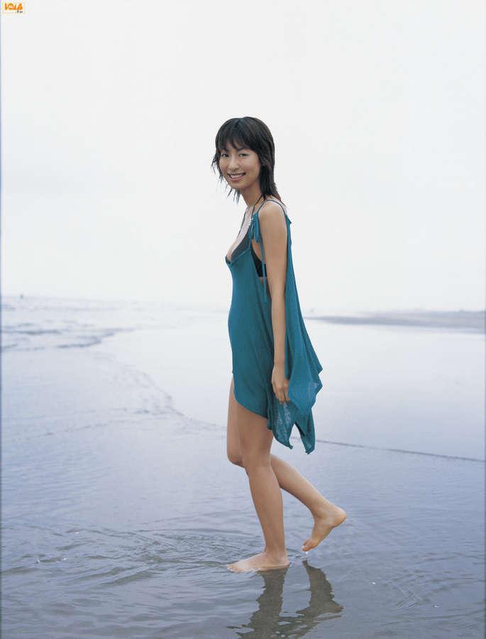 Mariko Ookubo Feet