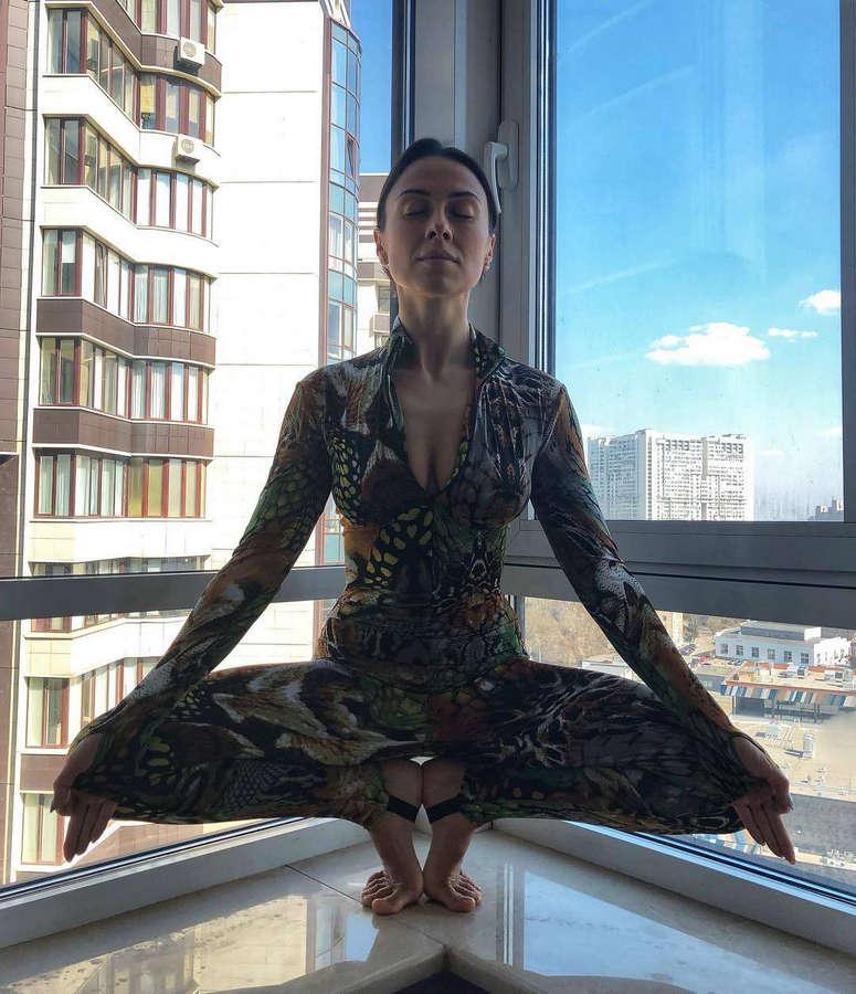 Anastasia Kumeyko Feet