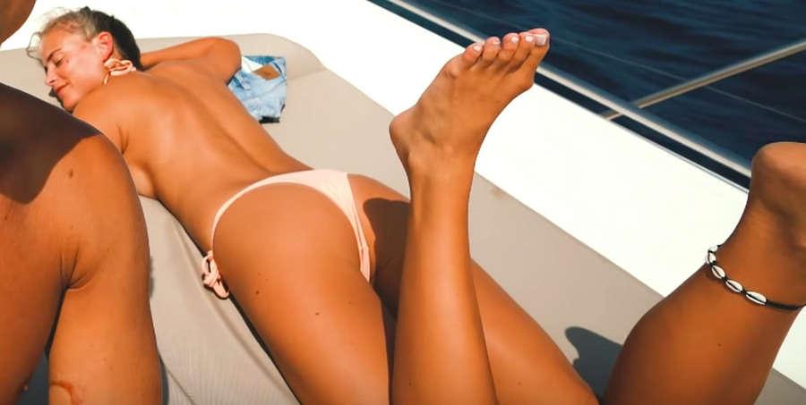 Janni Deler Feet