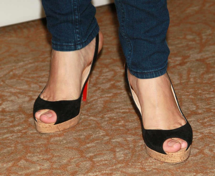 Jeri Ryan Feet