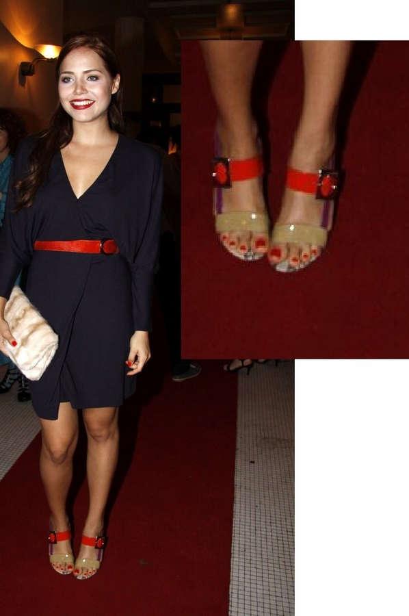 Leticia Colin Feet