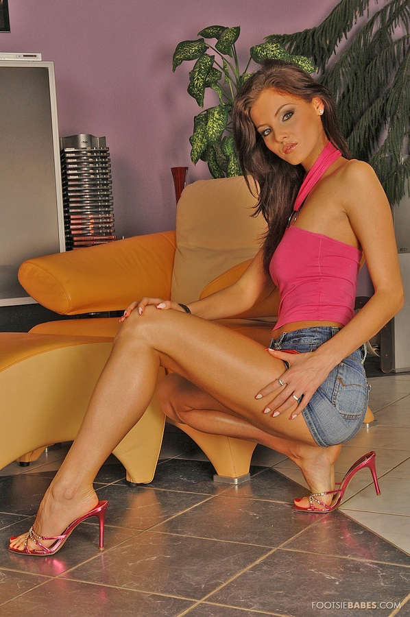 Ivette Blanche Feet