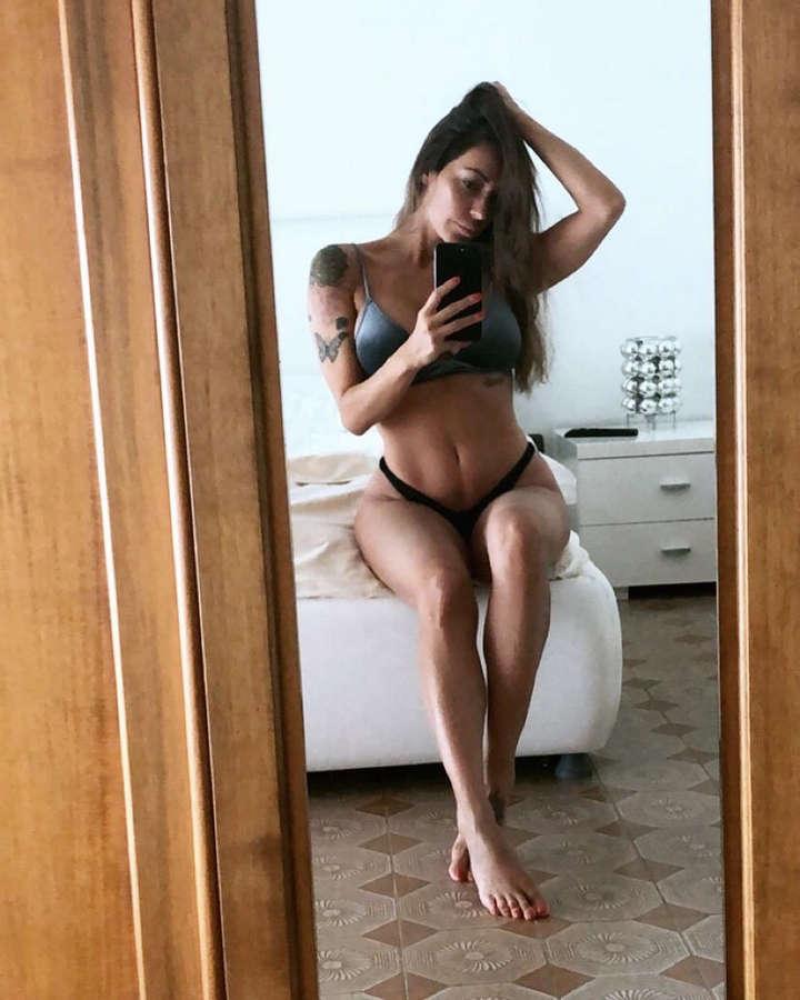 Karina Cascella Feet