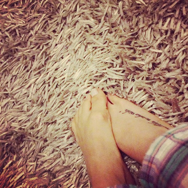 Juliane Trevisol Feet