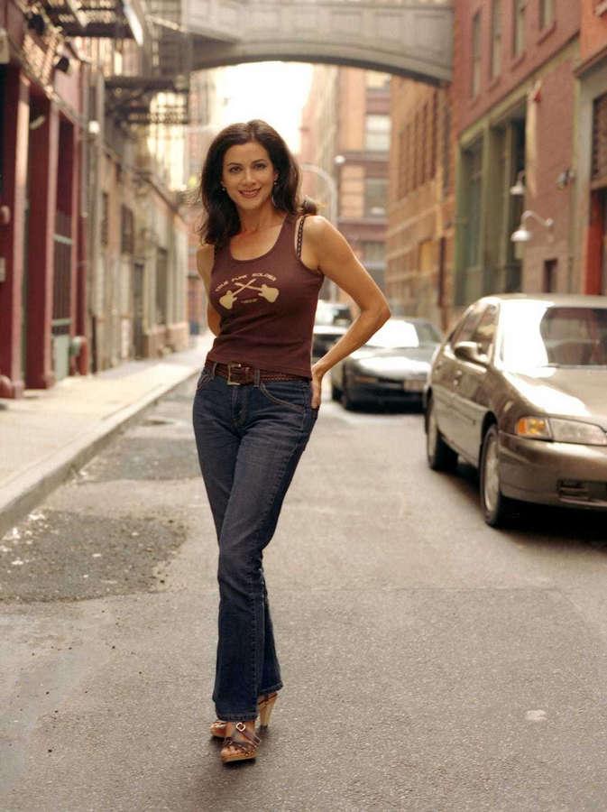 Saundra Santiago Feet