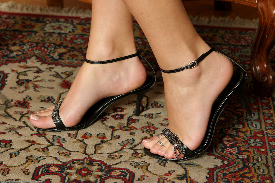 Hannah Hunter Feet