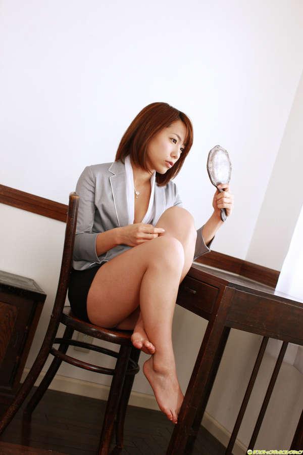 Misato Kashiwagi Feet