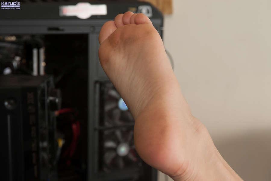 Kinsley Eden Feet
