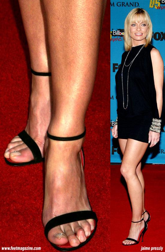 Jaime Pressly Feet