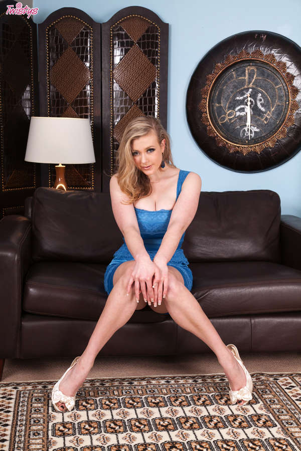 Sapphire Blue Feet