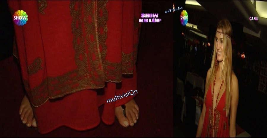 Tugba Ozay Feet