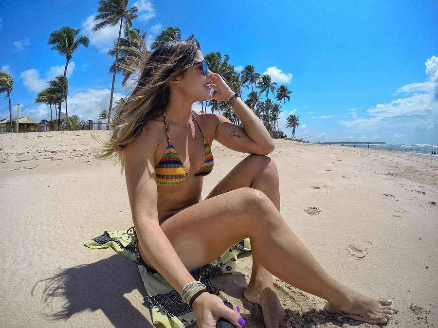 Nina Monteiro Feet