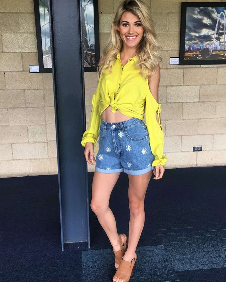 Amanda Nicole Thomas Feet