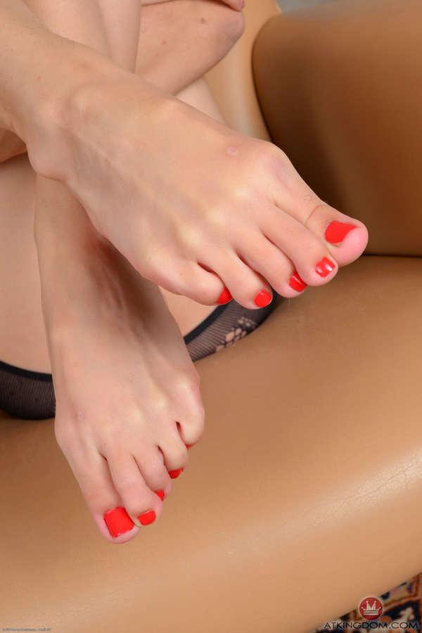 Sally Squirt Feet