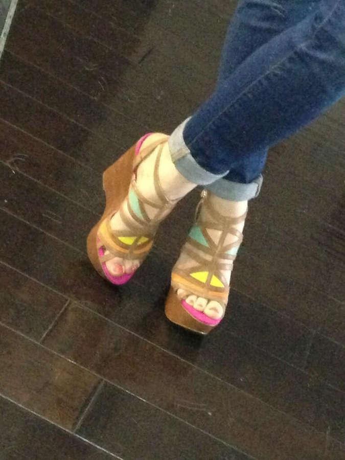 Katie Featherston Feet